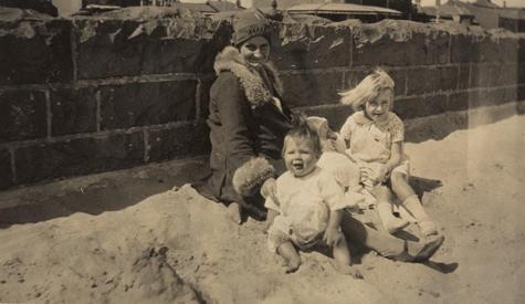 St.Kilda Beach in the 1930s: when life was simpler, and the planet cooler