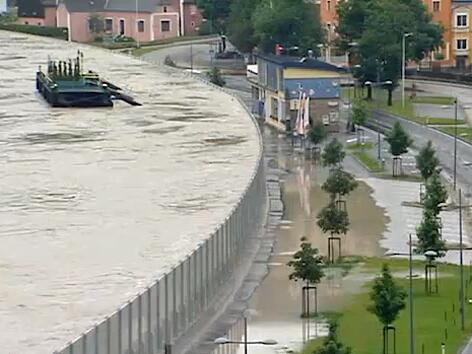 danube_floodwall